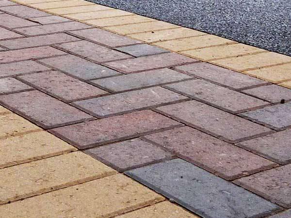 Scavi-per-realizzazione-marciapiedi-carpi